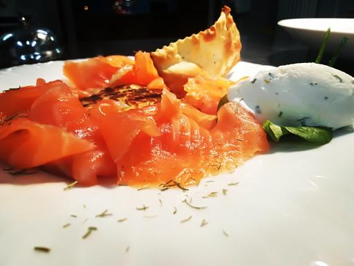 Salmone affumicato all'erba Cipollina